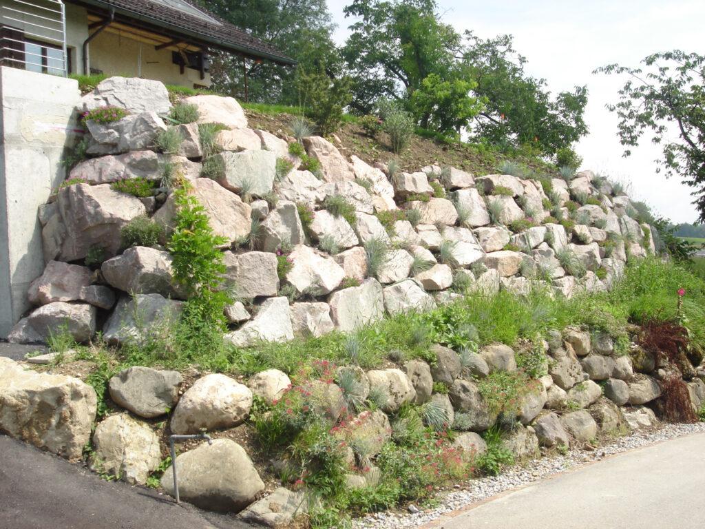 Steinmauer Bächli